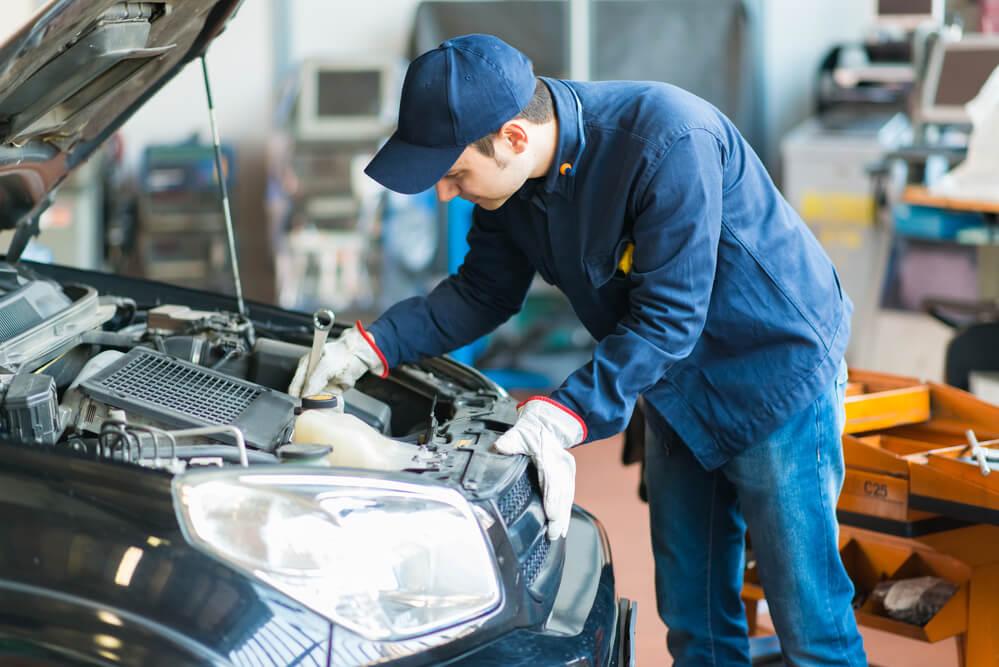 Do You Tip Auto Repair Mechanics?