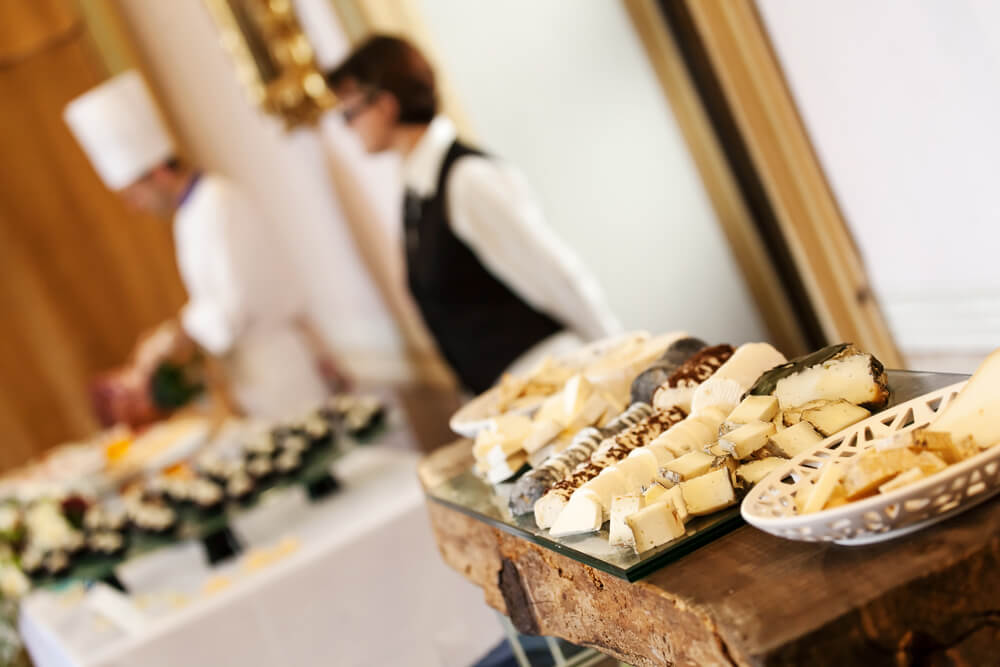 How to Choose Wedding Catering