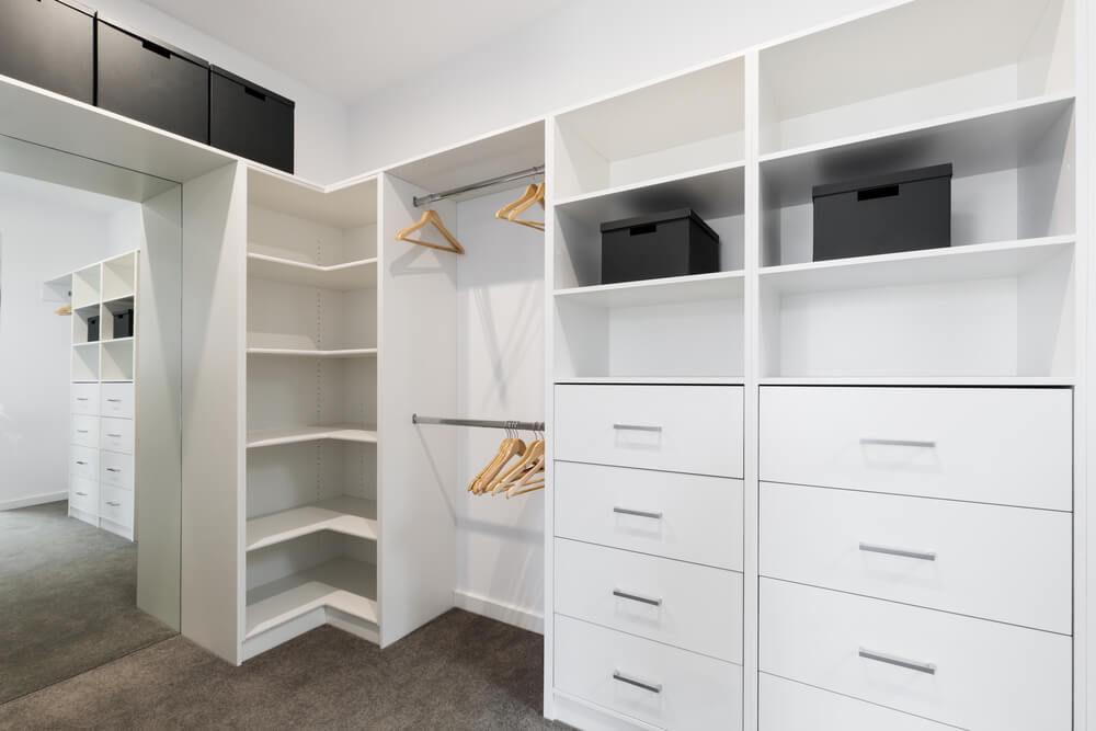 Things to Consider When Updating an Old Fitted Wardrobe