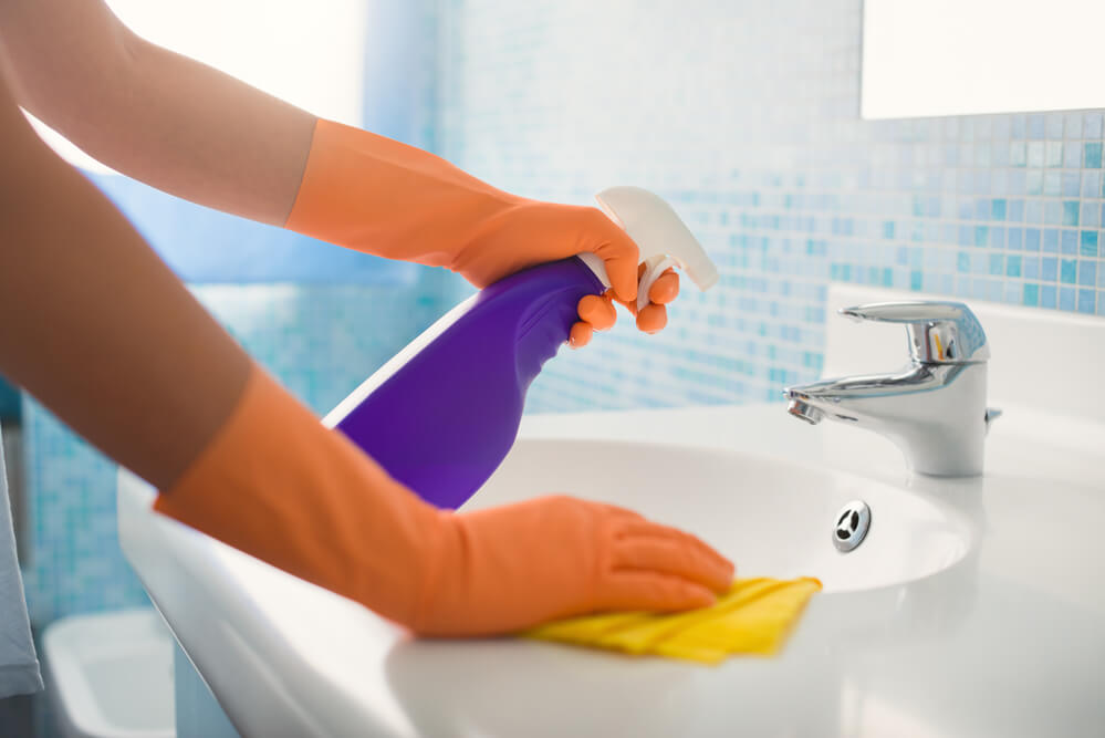 how to clean a new house before moving in